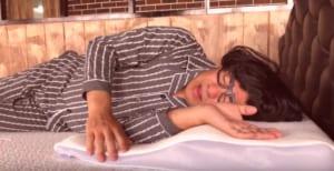 セブンスピローで眠りに悩むおじさんの横寝