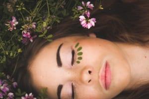 ターンオーバー促進には寝るのが大切